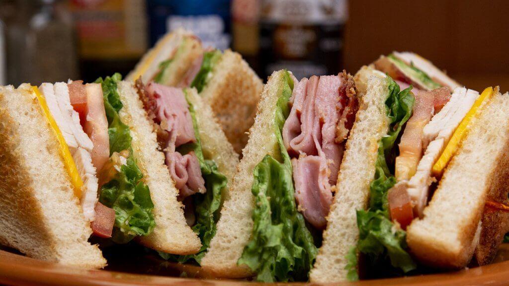 Club Sandwich Sandwich Lunch Bread  - adoproducciones / Pixabay